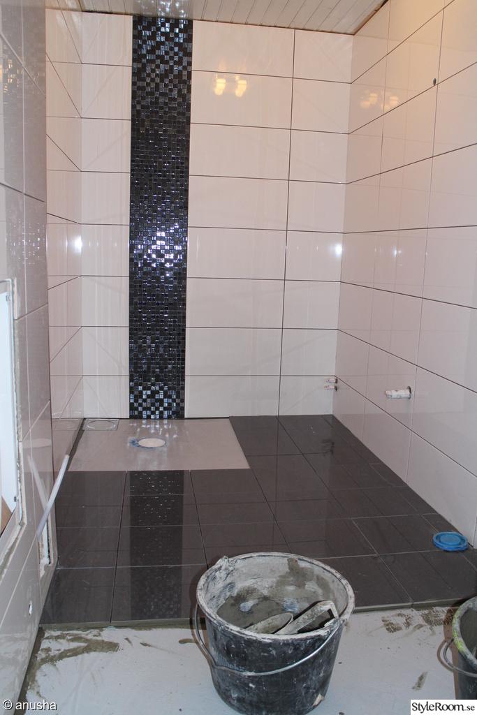 Vitt Kakel Kok Stora Plattor :  negro,kakel duna blank,stora plattor,badrum,fore & efter,olvsbyhus