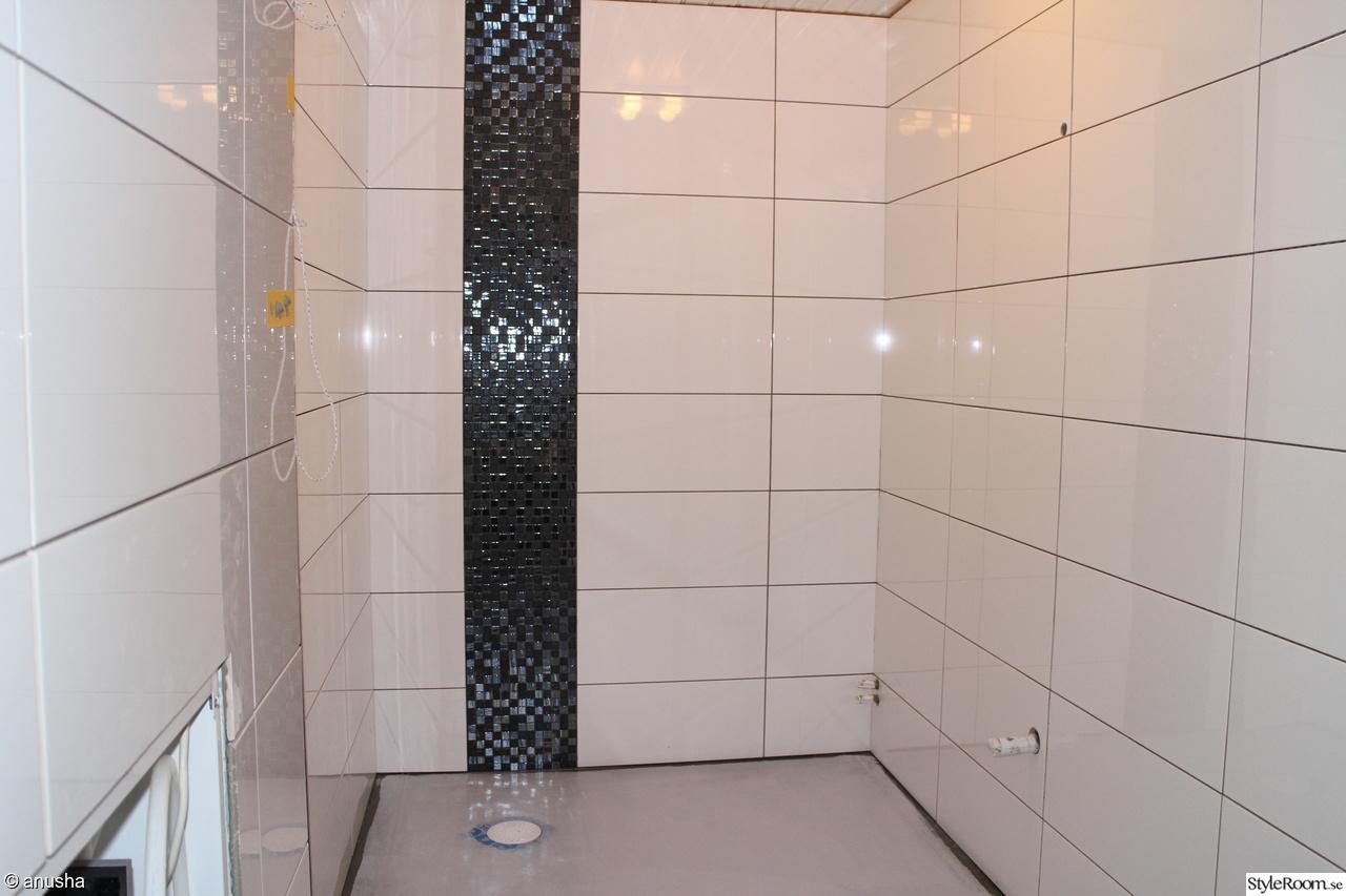 Vitt blankt kakel badrum ~ xellen.com