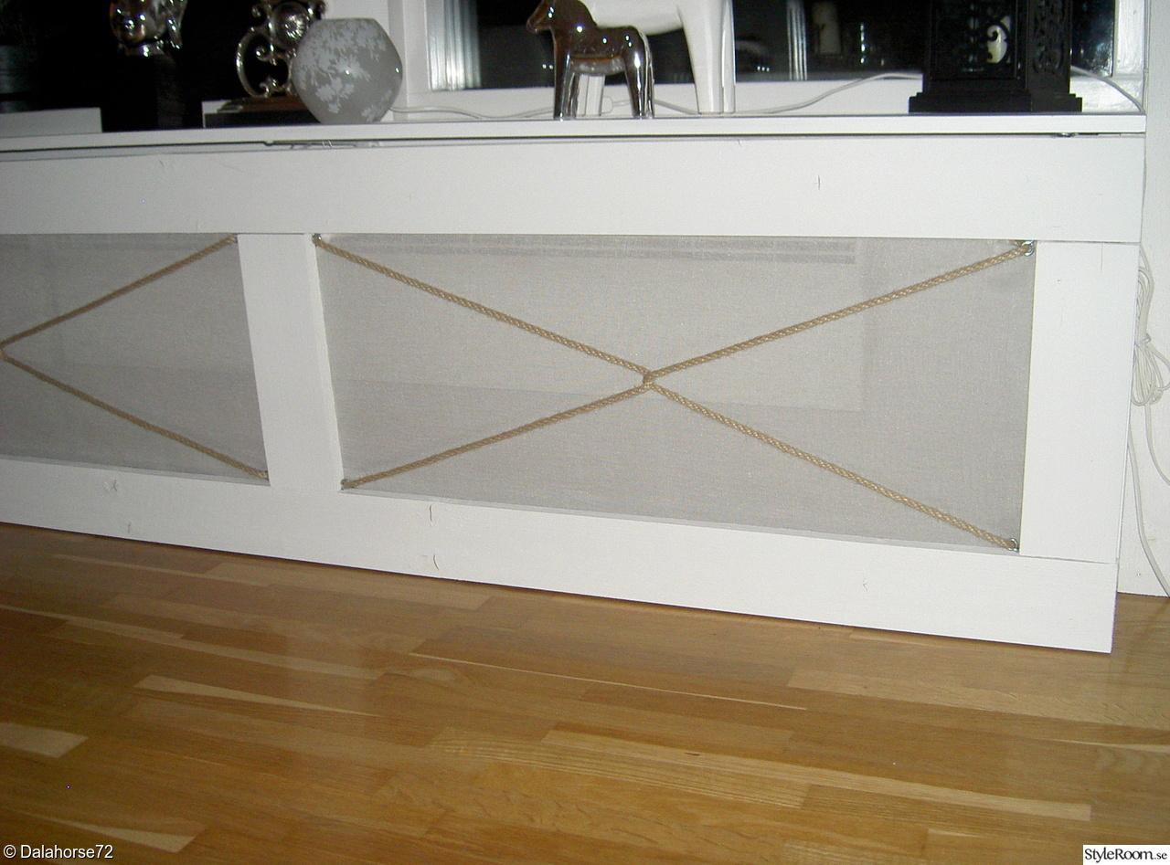 Bild på grovt   bordet på bockar av inredan