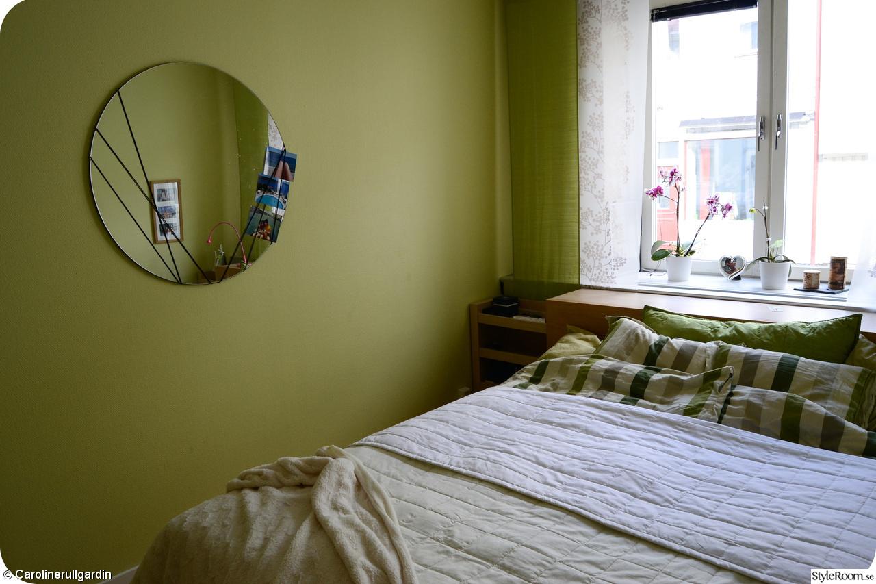 Inspirerande album på grönt sovrum