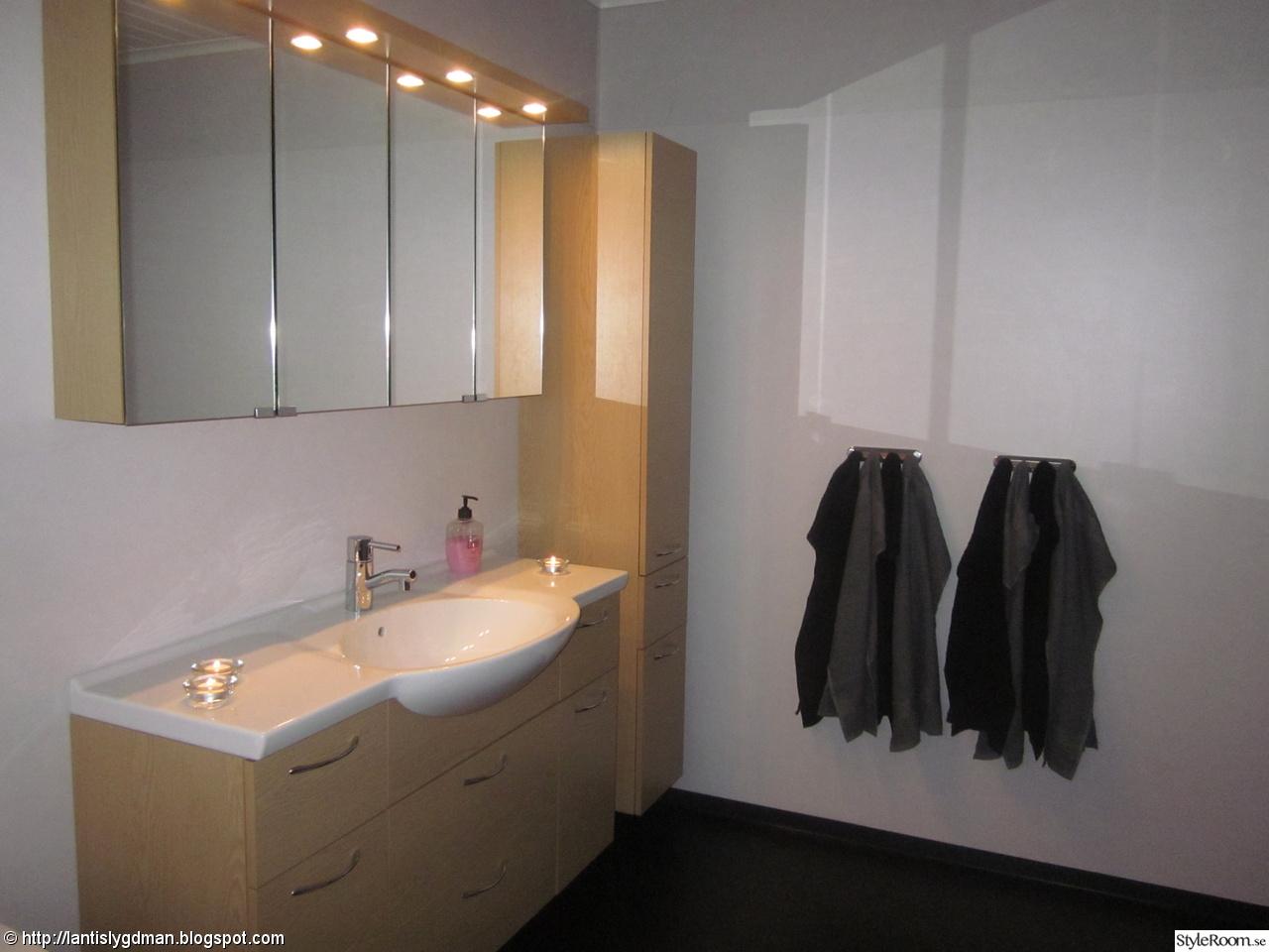 Bild på våtrumsmatta - Renovering av vår tvättstuga. av emsut