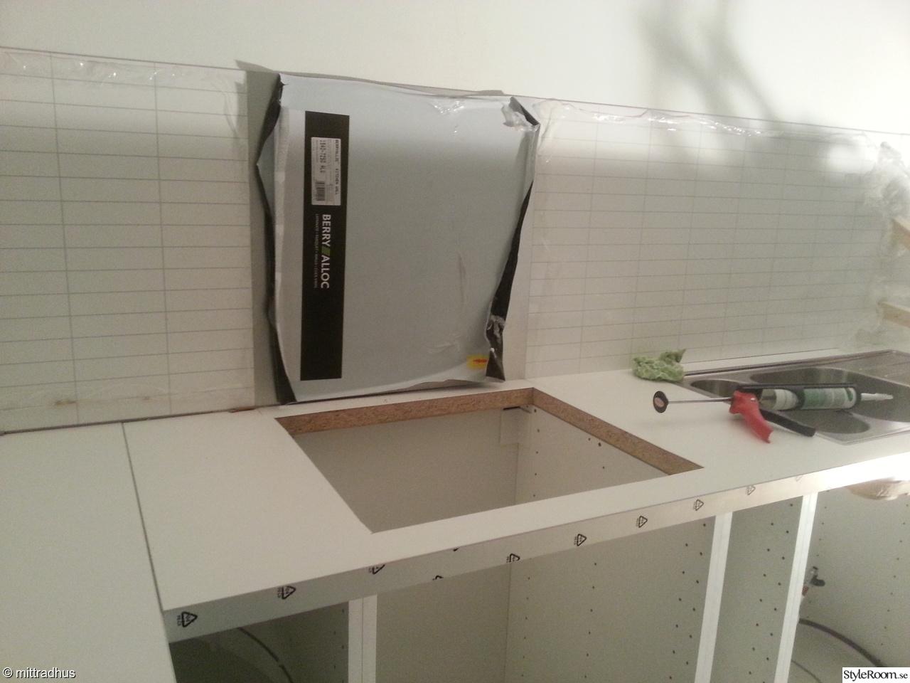 Vitt Kok Ikea : vitt kok ikea  ikea kok,ikea,vit bonkskiva,vitt kakel,kakelskivor