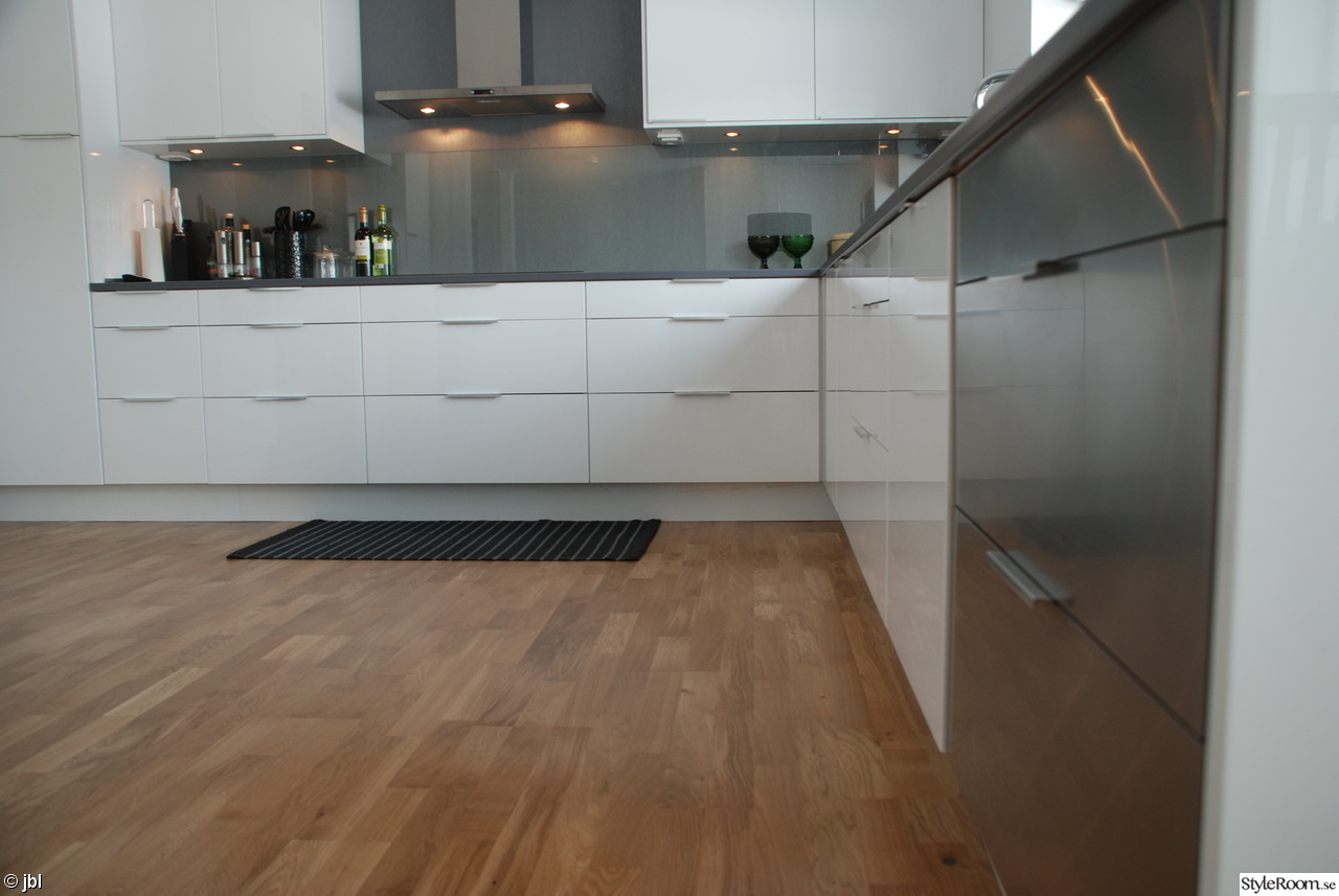 Bild på induktionshäll - Köksrenovering - total utrivning av Selina