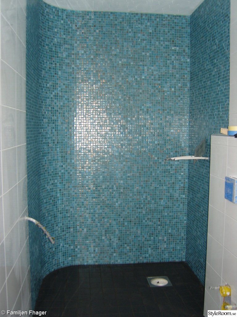 Badrum toalett kakel mosaik vitt   inspiration och idéer till ditt hem