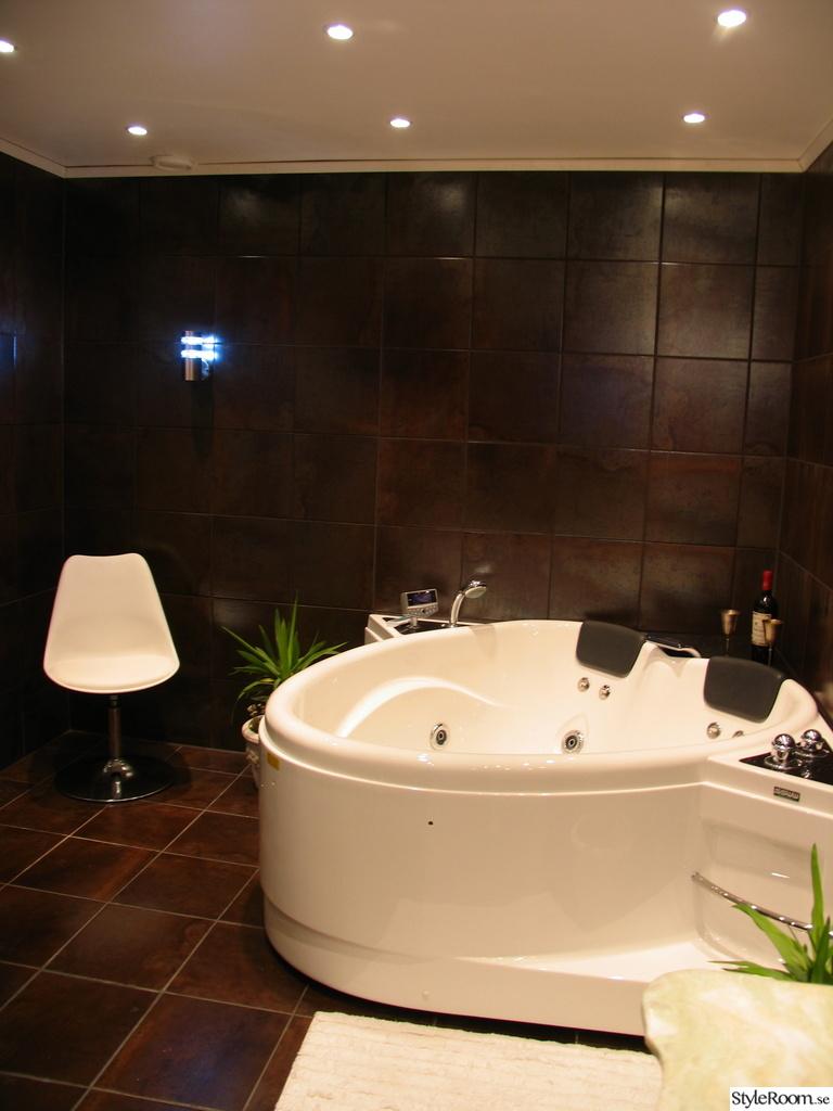 Bild på badrumsmöbel - Badrummet 2011 av lenason