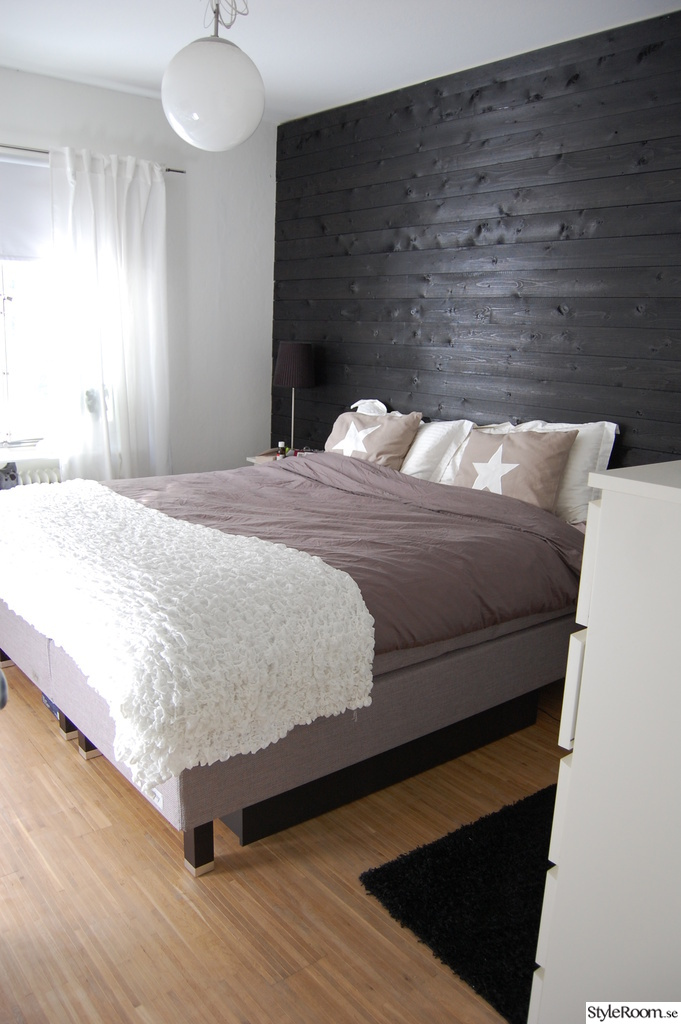 panelvägg sovrum