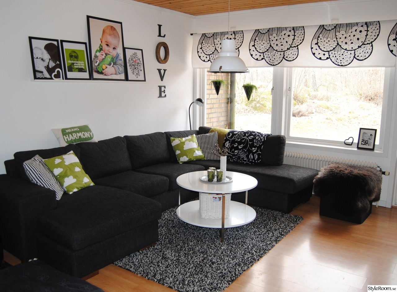 Soffor mobler: kok och vardagsrum i ett