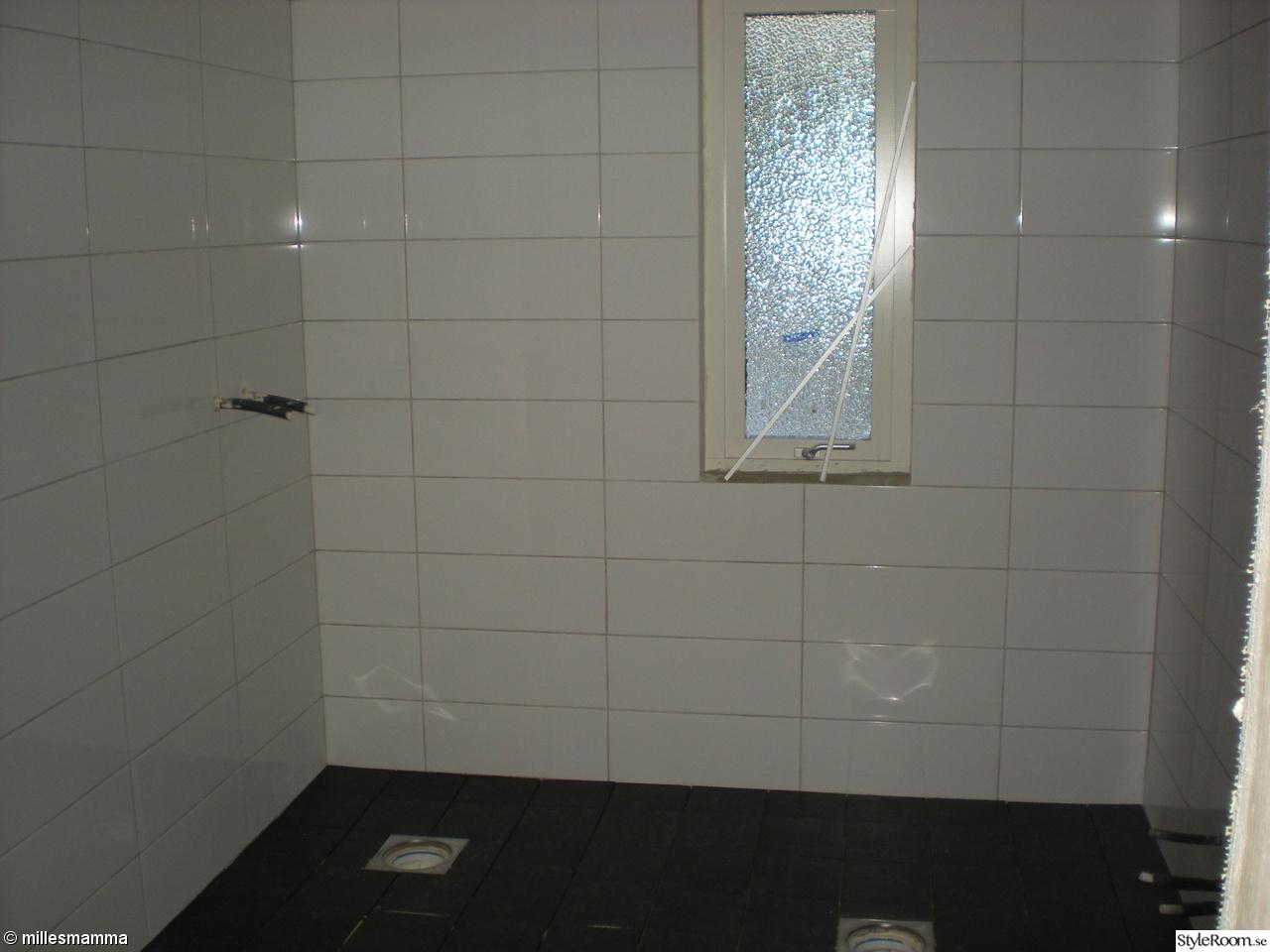 Bild på kaklat badrum   husrenovering av baraetthem