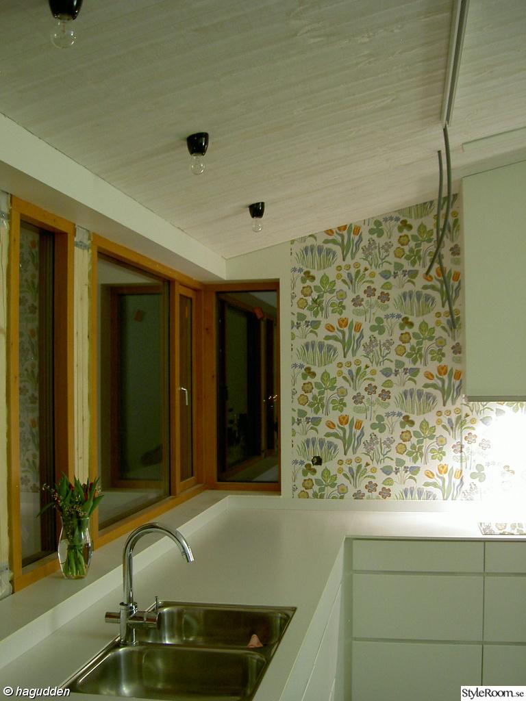 Bild på tapet josef frank   hall på övervåning och sovrum av kp lina