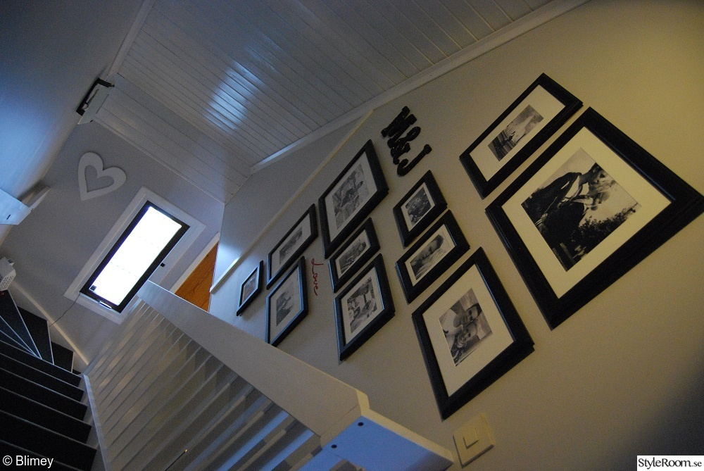 Vitt Furutak :  ,svarta steg,gro vogg,foto,kort,foto vogg,furutak,vitt tak,hall