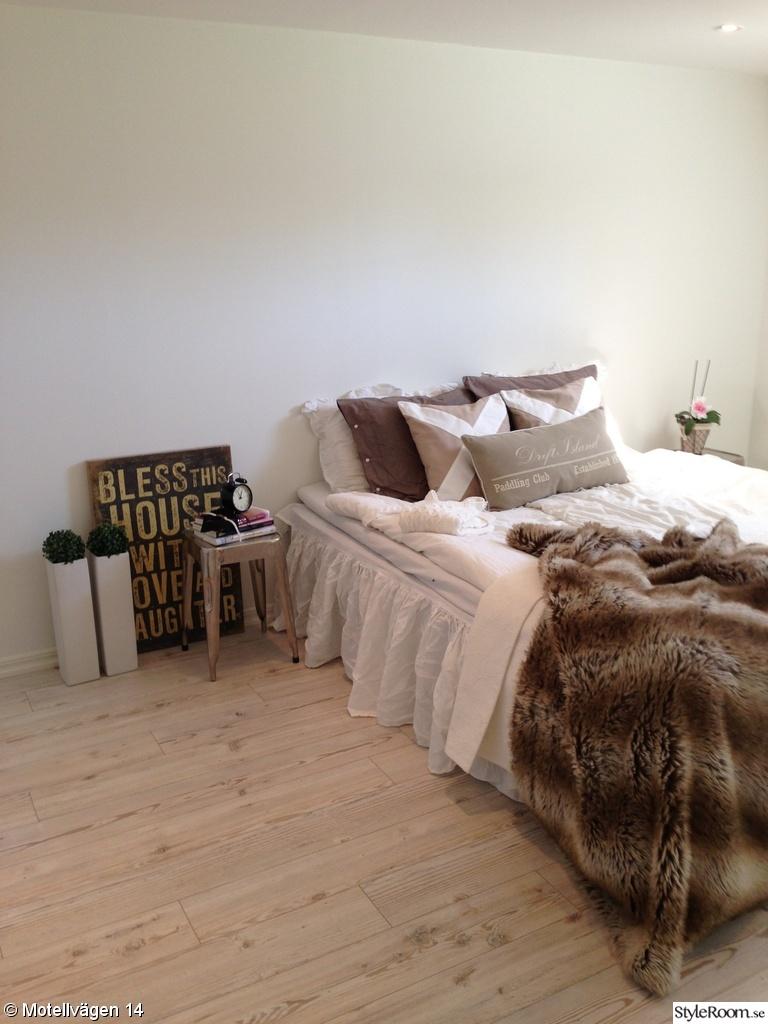 Bild på vas   sovrum med turkos accentfärg av dearwednesday