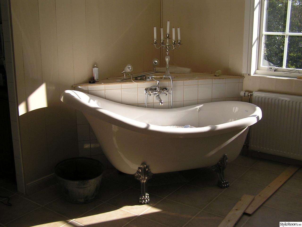 Litet badrum med badkar ~ xellen.com