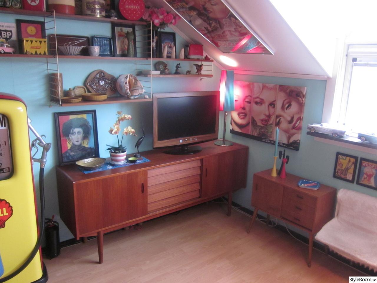 50-tal,retro,nostalgi,teak,sideboard,stringhylla,tv,turkost,rött ...