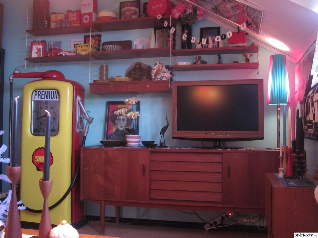 50-tal,retro,nostalgi,teak,sideboard,tv,bensinpump,stringhylla,turkos ...