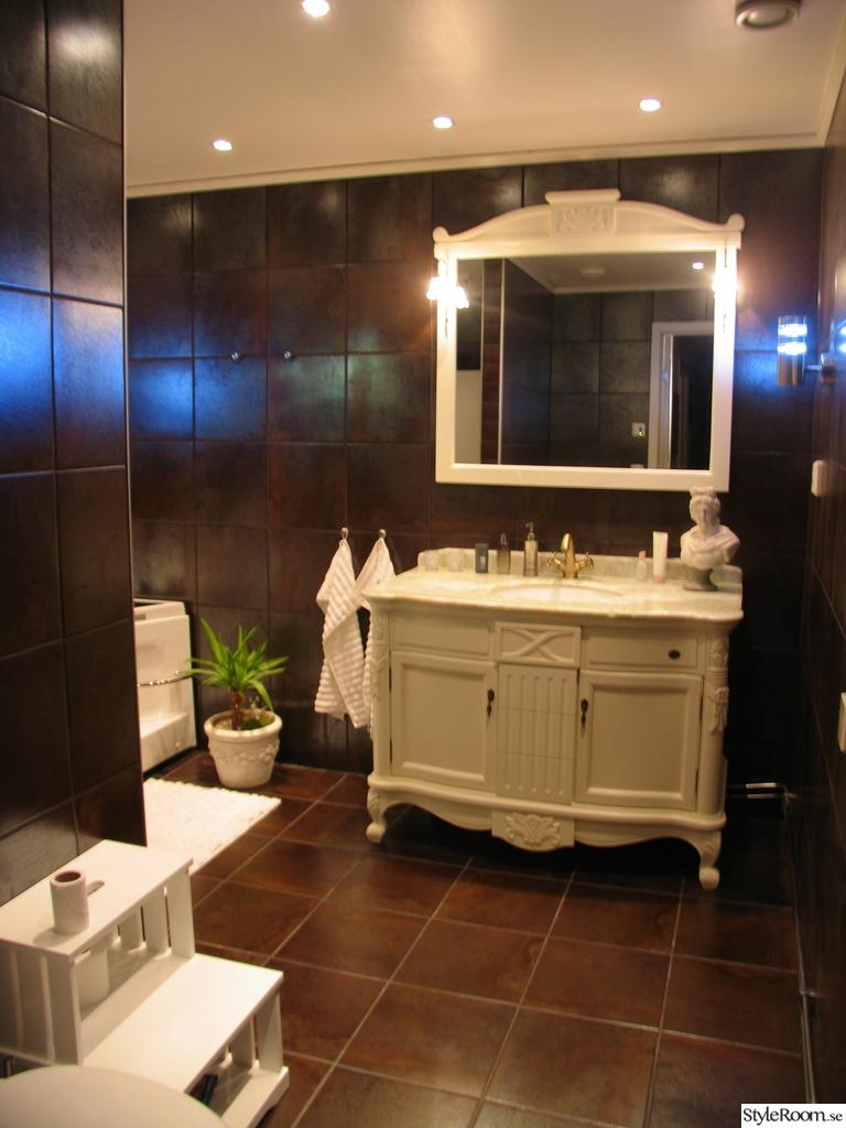 Bild på badrumsmöbel - Hemma livet av Stajltime