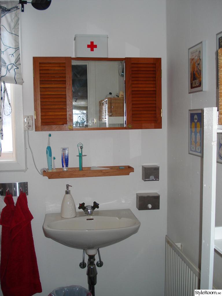 Bild på anka   badrum av nymphaea