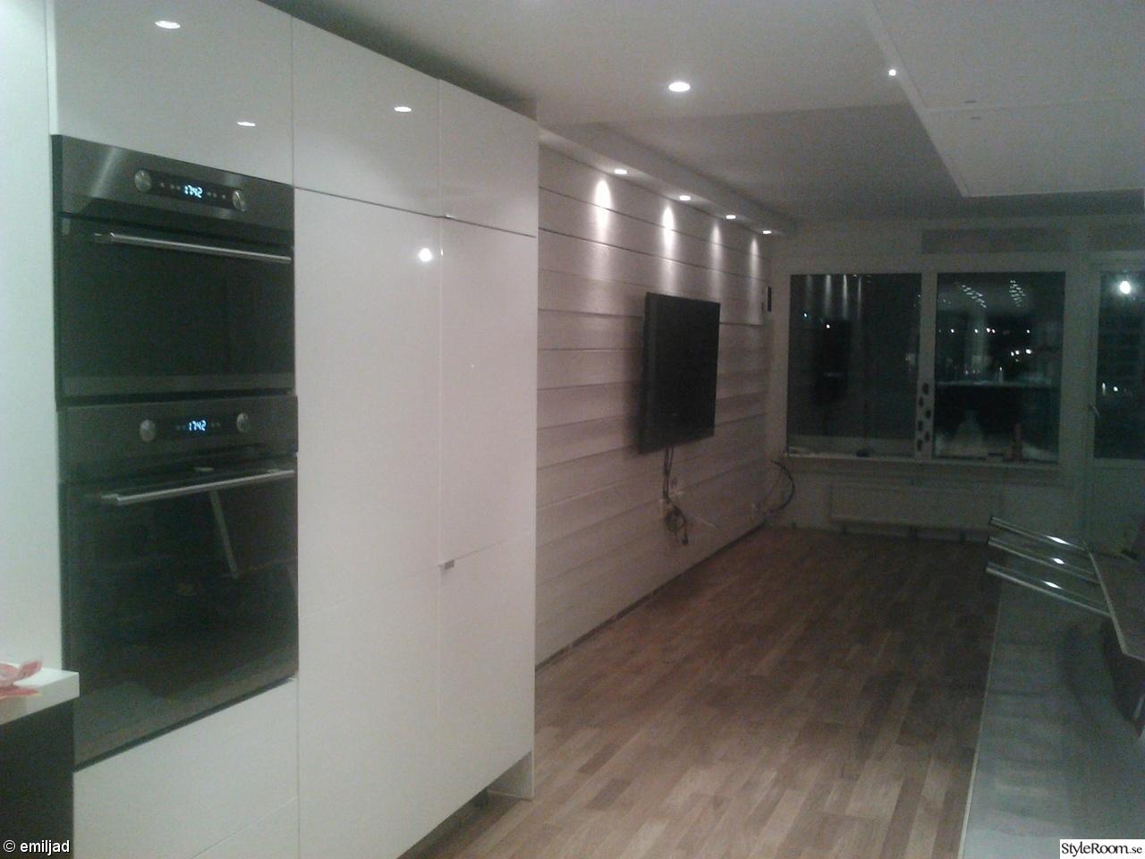 Hogblankt Vitt Golv Till Kok : kok vitt golv  ekparkett,golv,rospont,vitt kok,hogblankt kok