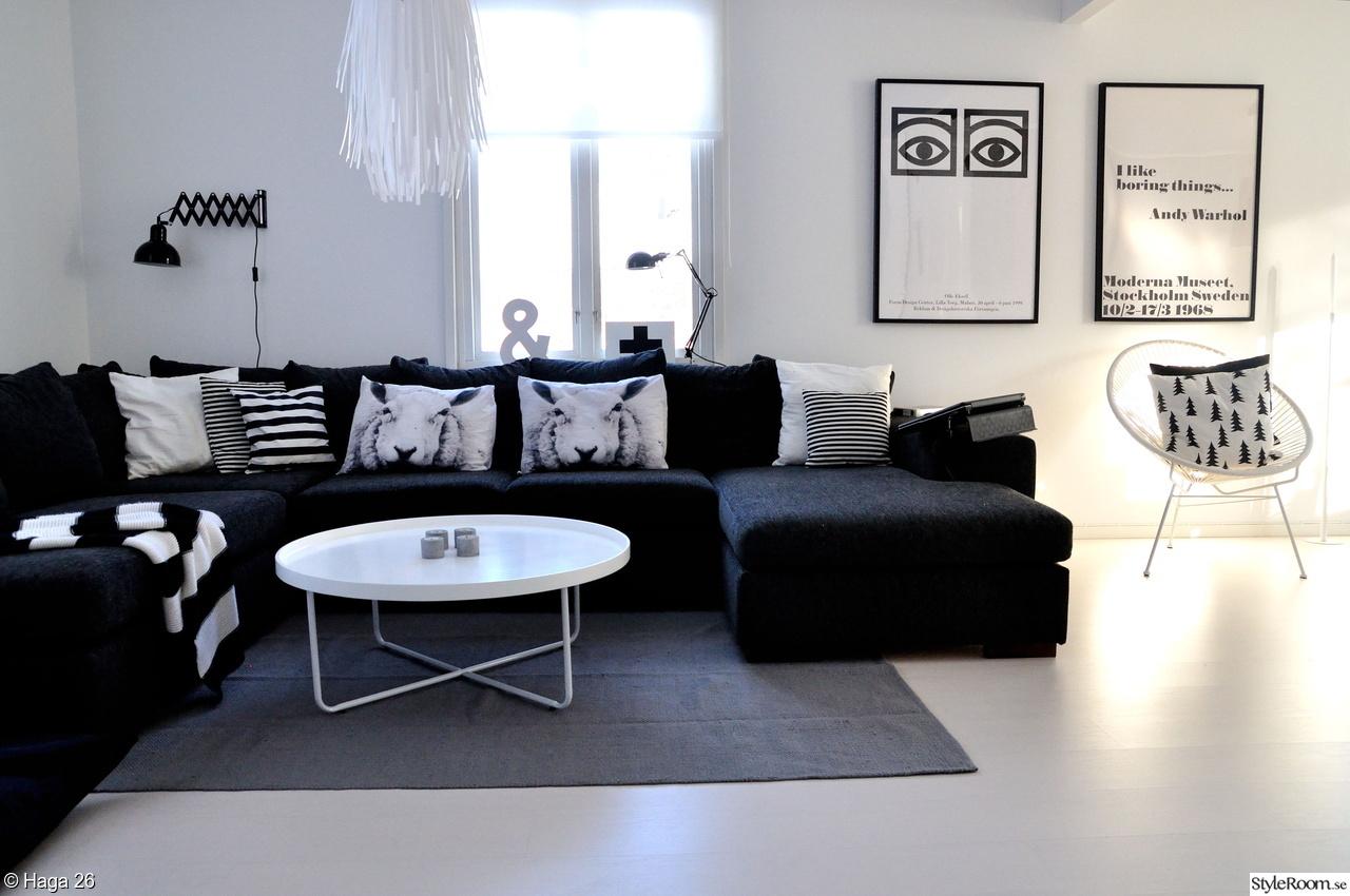 matta till mörkgrå soffa