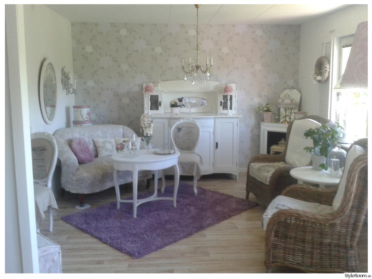 Vardagsrum med gammalt och nytt   hemma hos pimsan