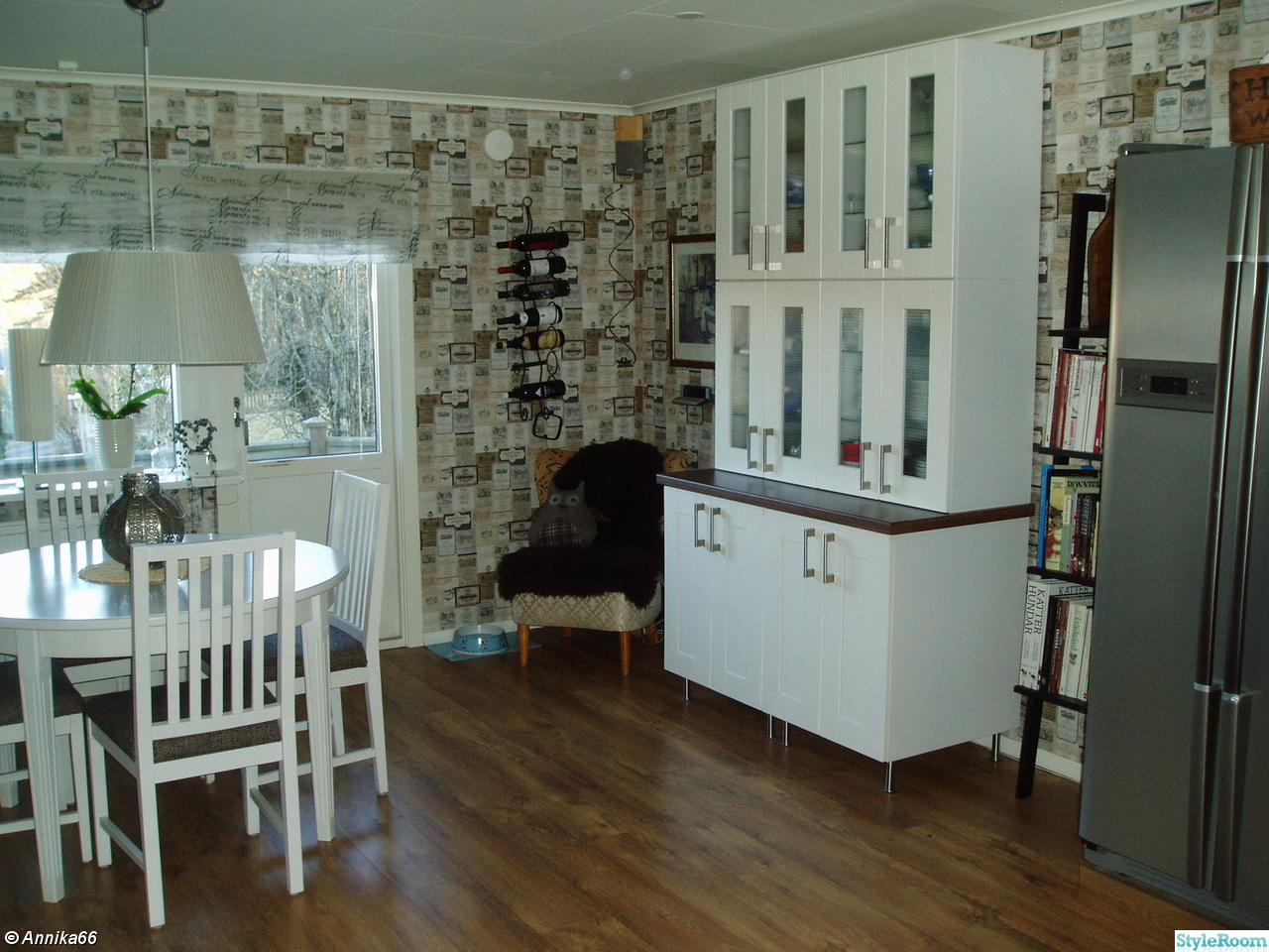 Billiga Koksbord : vitt koksbord  ,matbord,englesson,koksbord,koksstolar,vitt