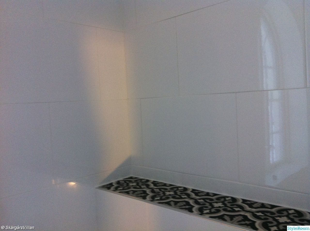 Grå badrum ~ xellen.com