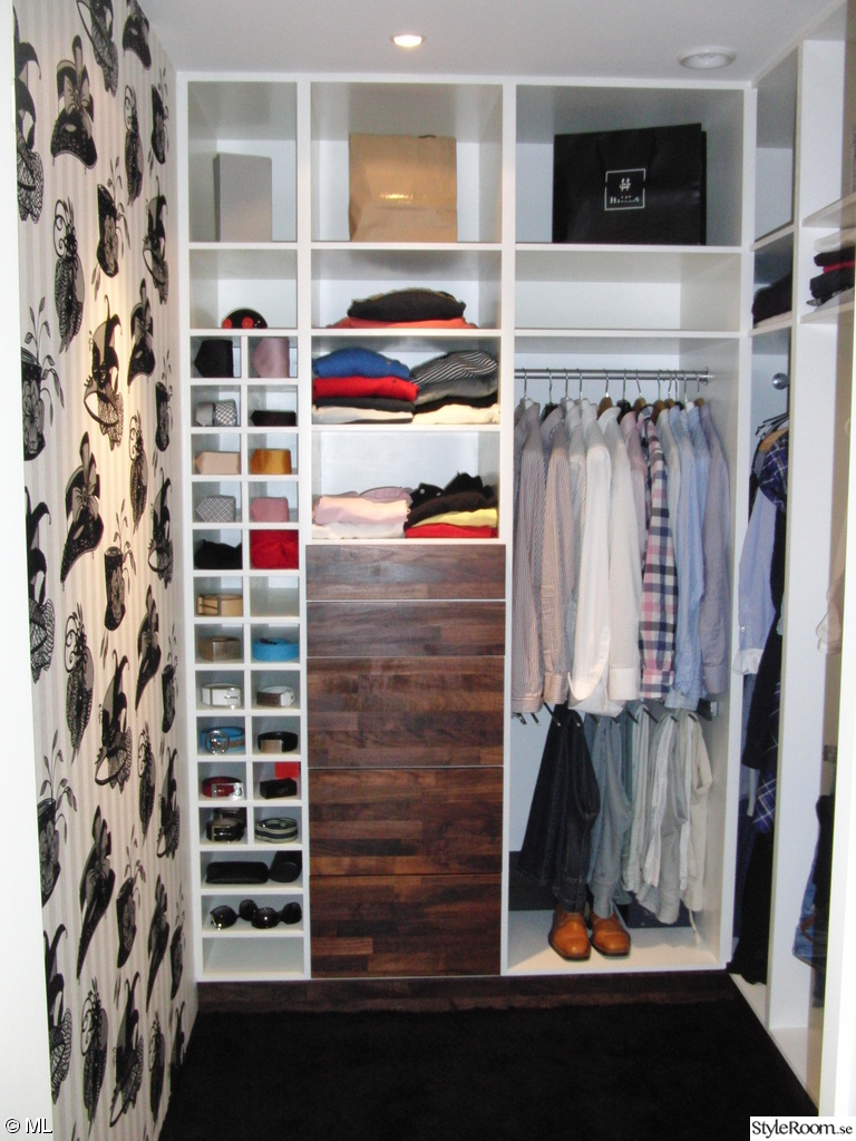 Pin closet walking closets o vestidores modernos quito for Jardines modernos