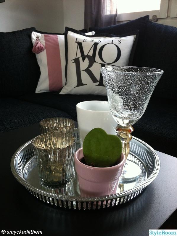 soffa,ljusbricka,värmeljushållare,silverfat,prynadskuddar