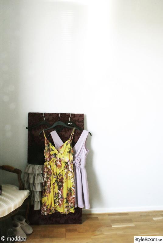 klänningar,sovrum,klädhängare