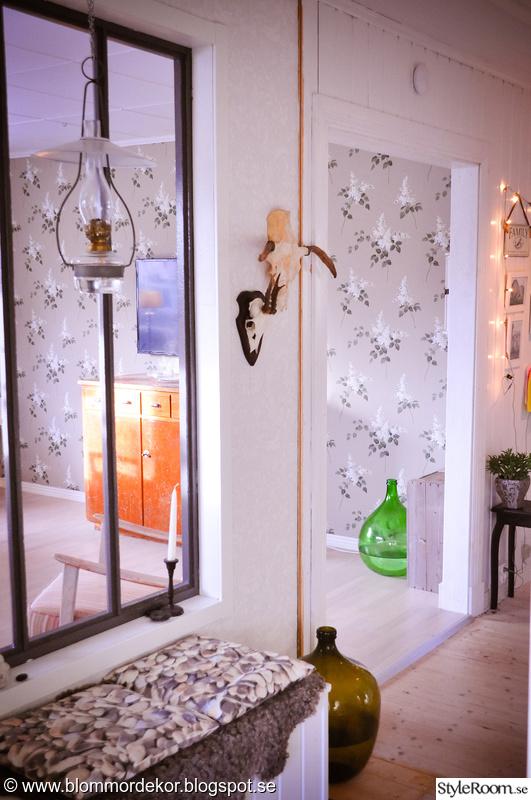 fönster,fotogenlykta,sittbänk,vardagsrum,hall