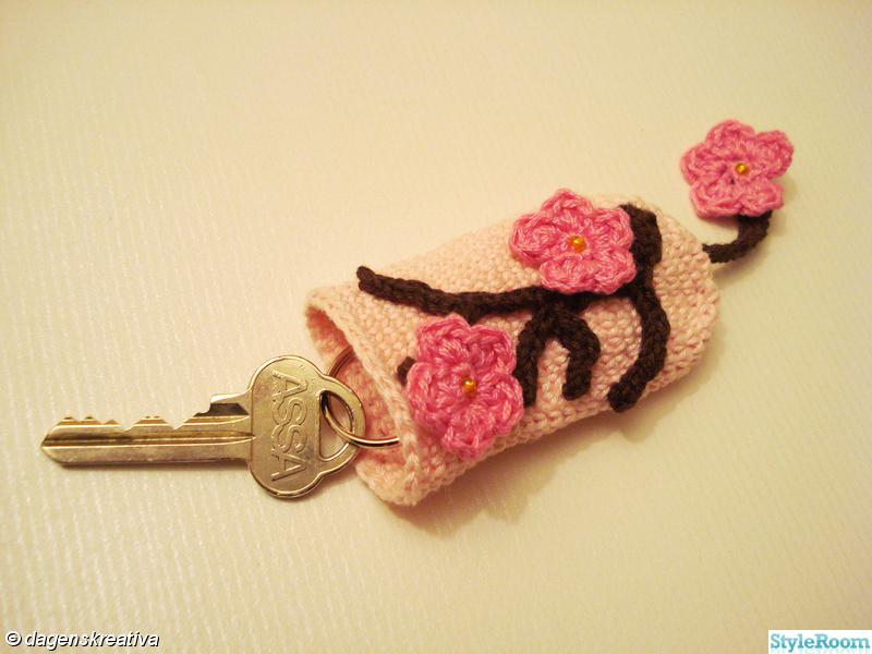 brun,nycklar,körsbärskvist,dagenskreativa,blomma