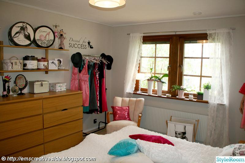 Bild på fåtölj Före och Efter Mitt färgglada tjejhus av pink lady