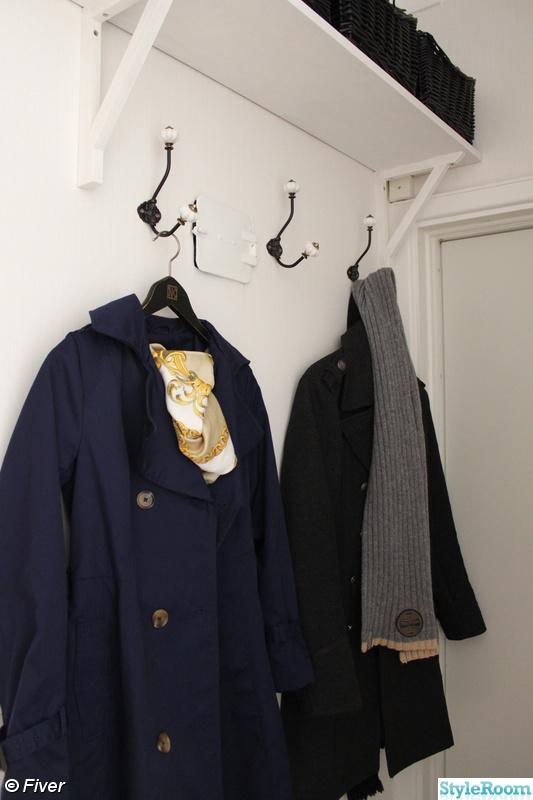 Bild på hatthylla ~ Vår Hall Före och efter ~ av JessikaPessika