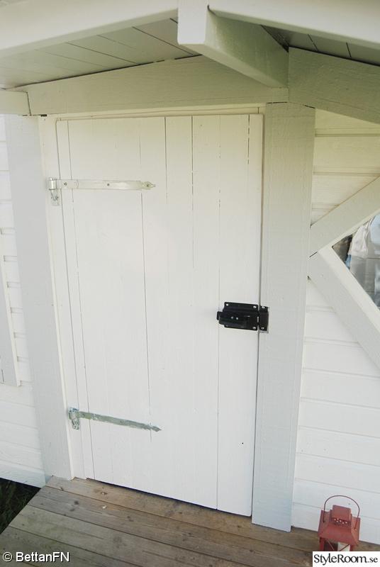 Bild på dörr diy bygg en lekstuga av BettanFN