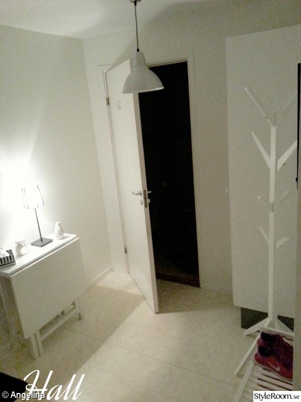 Bild på klädhängare Nya lägenheten 2rok 69kvm! av Angeliijna
