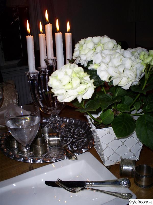 dukning,kandelaber,inspiration,bordsdekoration,klassisk stil