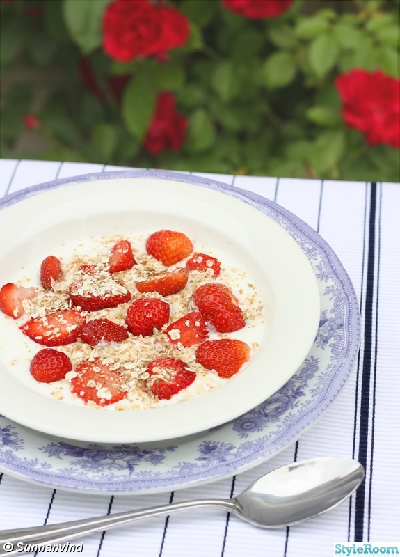 tallrik,sommar,löpare,jordgubbar,blå fasan