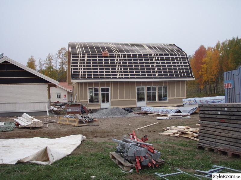 bygga hus av skrot