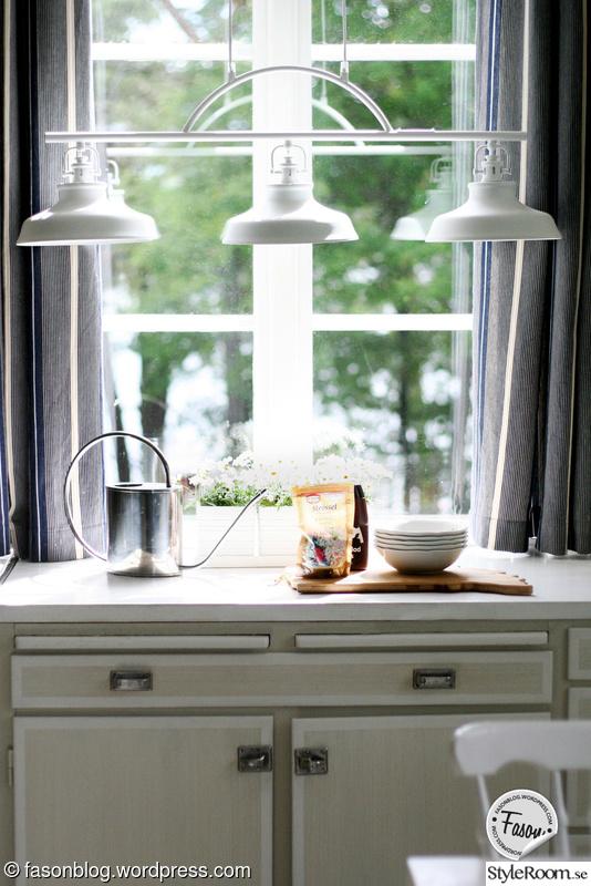 Litet Fint Kok : litet kok i sommarstuga  koksbonk,beslag,kok,taklampa,lantligt