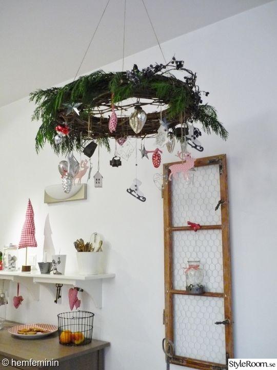 jul,vardagsrum,lantligt vardagsrum,gammalt fönster
