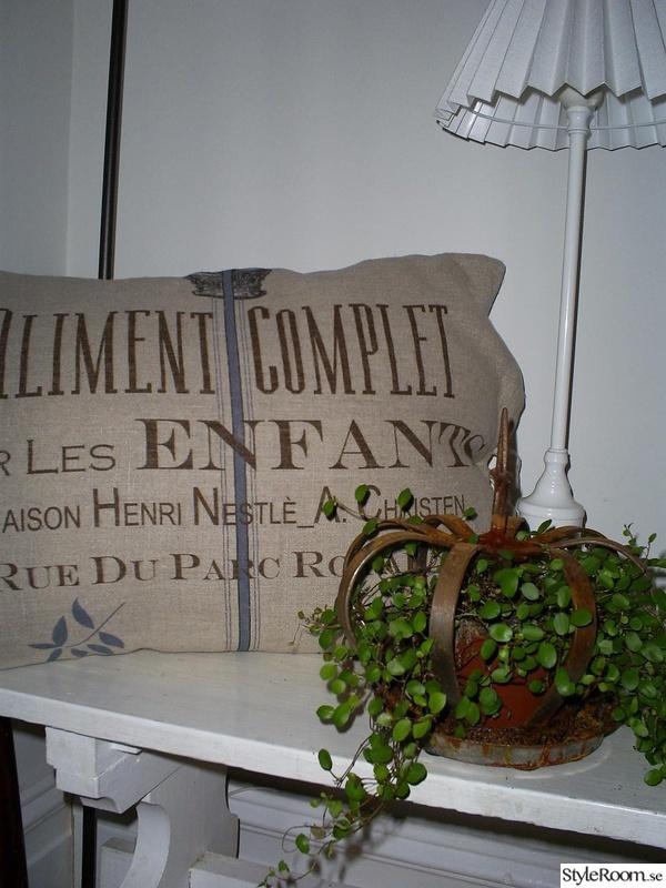 lantstil,inredningsdetaljer,vitt bord,vitt,fransk lantstil