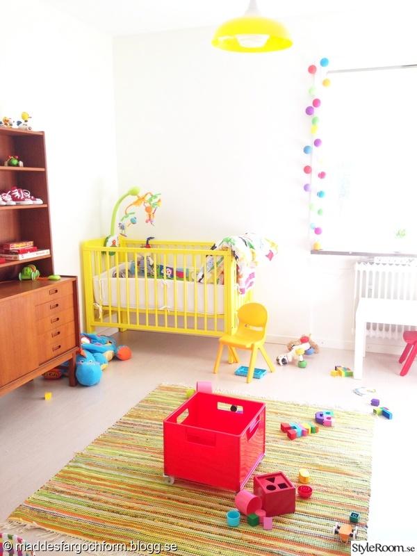 barnrum,spjälsäng,spjälsäng gul,barnsäng,barnsäng gul