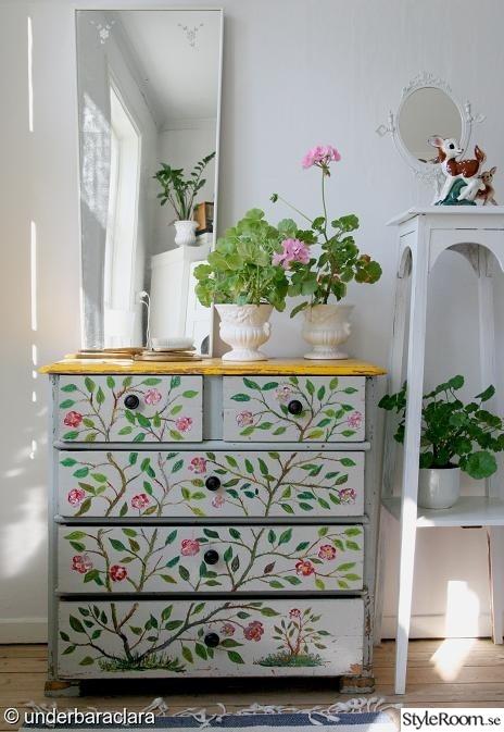 byrå,rosor,vintage,ärvegods,handmålad