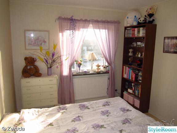 Sovrum lila tema bedroom purple theme Hemma hos Zerudaa