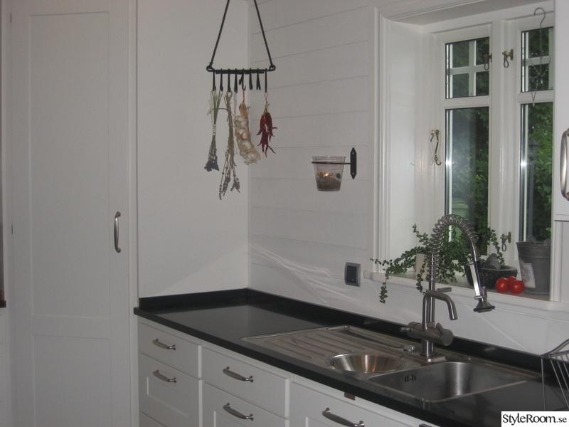 hörnskåp kök : Vårat kök i New England stil! Hemma hos Boromir