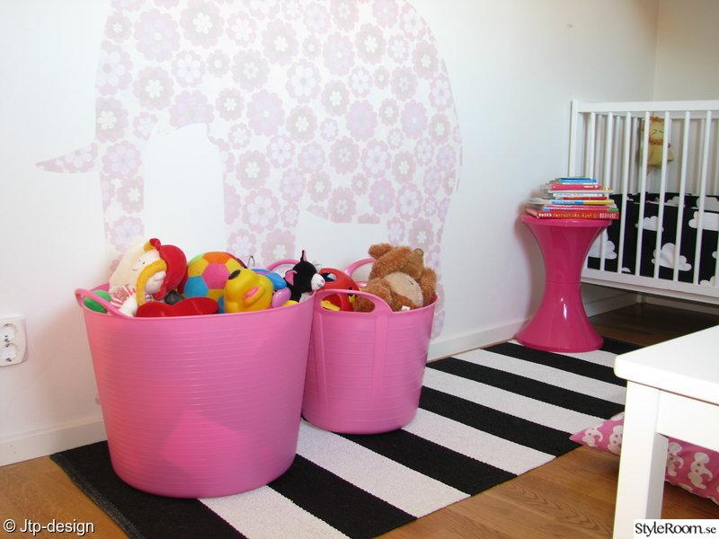 barnrum,rosa,leksaker,randigt,vitt