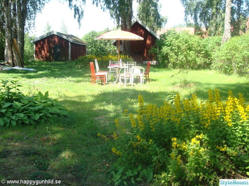 blommor,trädgård,uteplats,lantligt,utemöbler