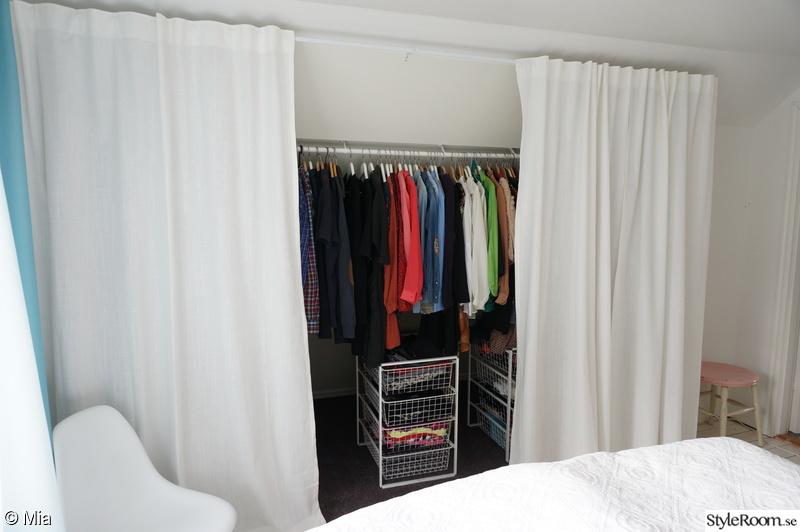 Kattvind i sovrum byggs om tillöppen garderob Hemma hos Mia