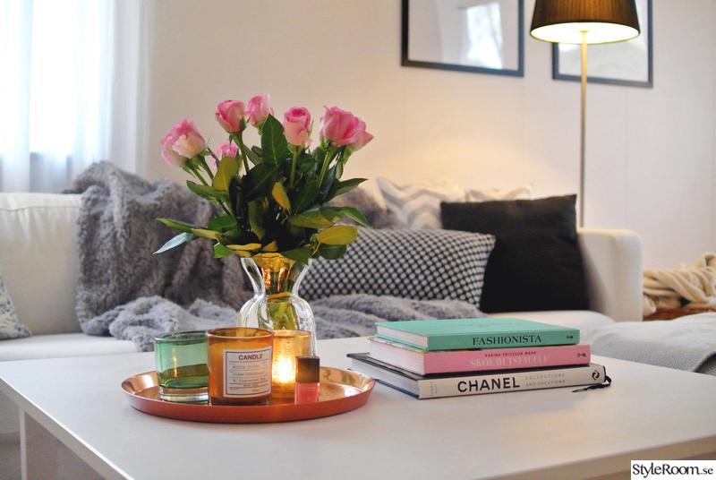 chanel,koppar,rosor,vardagsrum