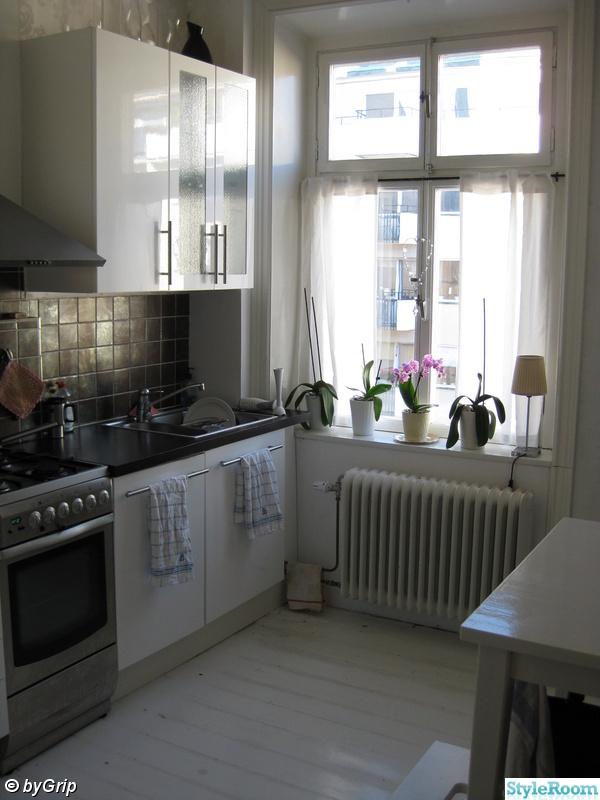 Hogblankt Vitt Golv Till Kok : Bild po ikea kok  Koket i etagelogenheten av byGrip