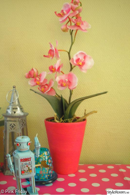 rosa,lykta,kitsch,robot